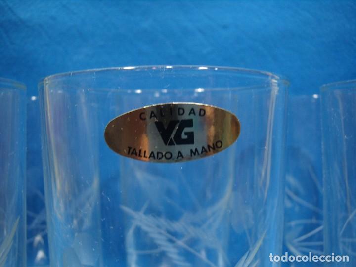 Antigüedades: Juego Whisky cristal tallado a mano 12 vasos y cubitera de VG Italia, años 80 Nuevo sin usar. - Foto 8 - 249550250