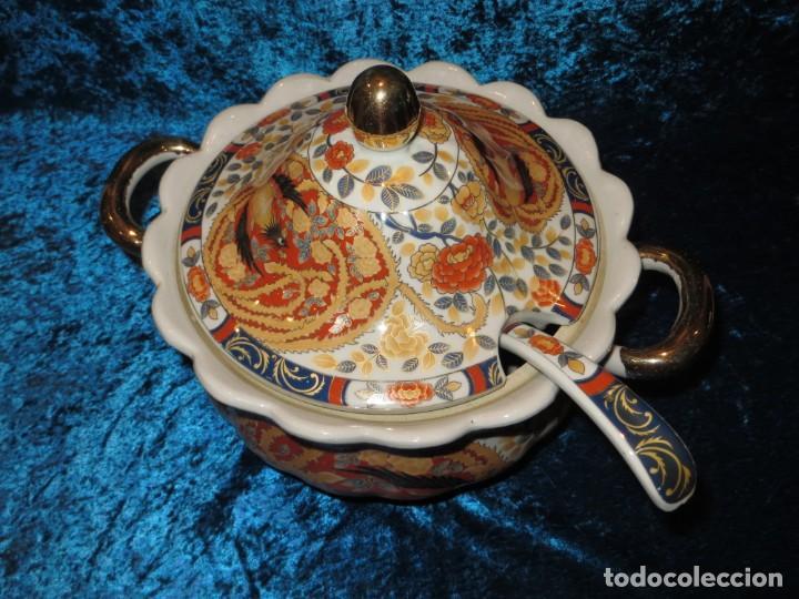 Antigüedades: Antigua sopera ensaladera porcelana China King Cheng oriental numerada sellada firma Ave Fénix oro - Foto 5 - 250148670