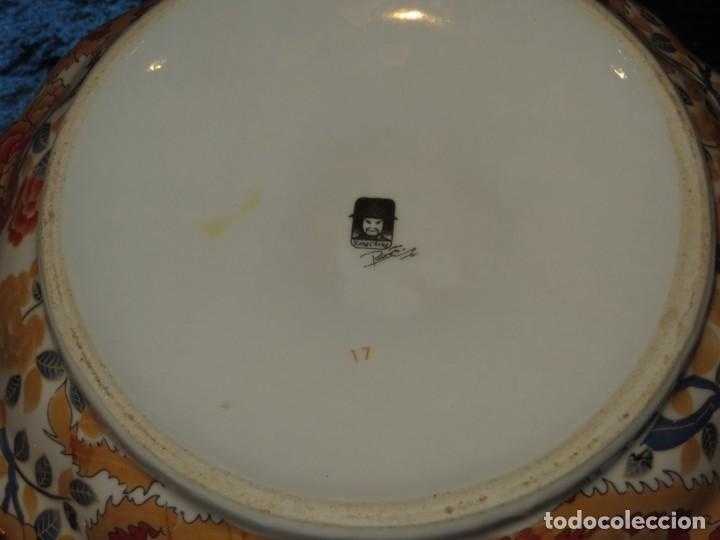 Antigüedades: Antigua sopera ensaladera porcelana China King Cheng oriental numerada sellada firma Ave Fénix oro - Foto 9 - 250148670