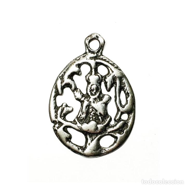 RARA MEDALLA DE LA VIRGEN SOTERRAÑA EN PLATA S.XVIII CON MARCAS EN REVERSO - SEGOVIA, LA RIOJA (Antigüedades - Religiosas - Medallas Antiguas)