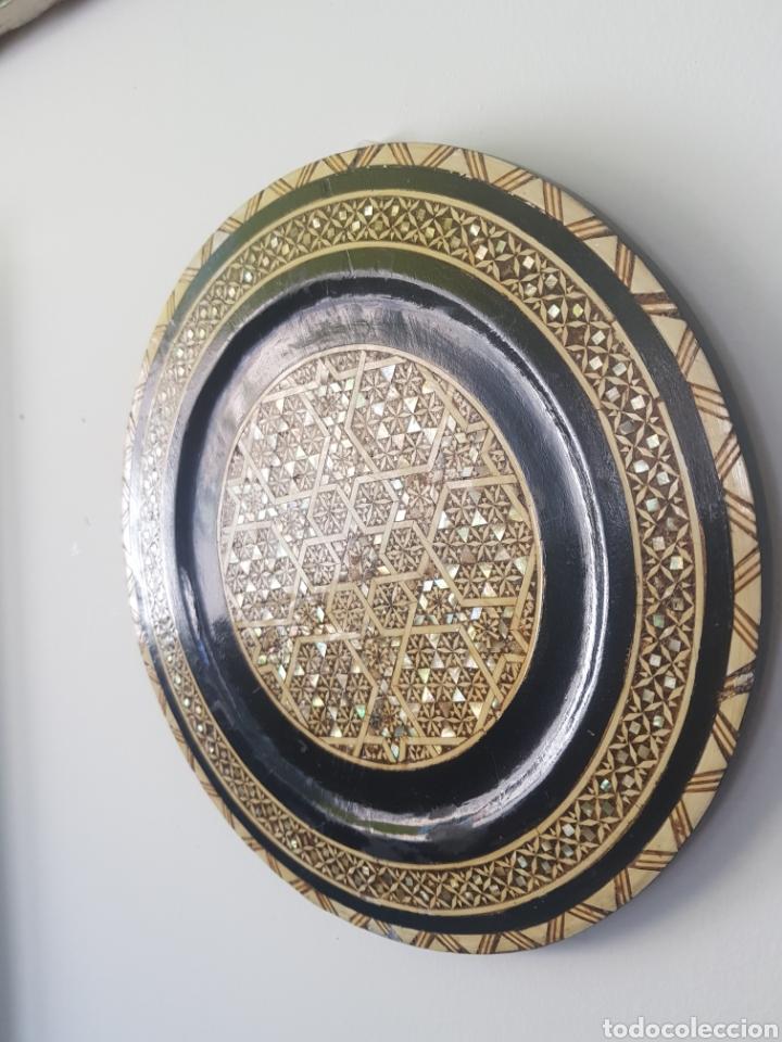 Antigüedades: PLATO MADERA INCRUSTACIONES HUESO Y NACAR EGIPTO S.XX - Foto 2 - 250169850