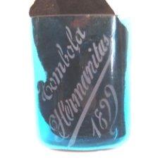 Antigüedades: TOMBOLA HERMANITAS AÑO 1899 VASO CRISTAL AZUL FALTRIQUERA, GRABADO AL ACIDO. Lote 250292540