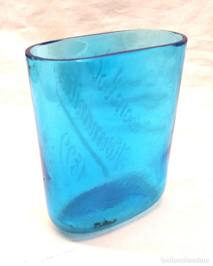 Antigüedades: Tombola Hermanitas año 1899 Vaso Cristal Azul Faltriquera, grabado al Acido - Foto 2 - 250292540