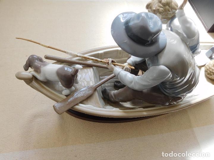 Antigüedades: Lladró barca Paloma con abuelo pescando, niño y perro - Foto 10 - 250313405