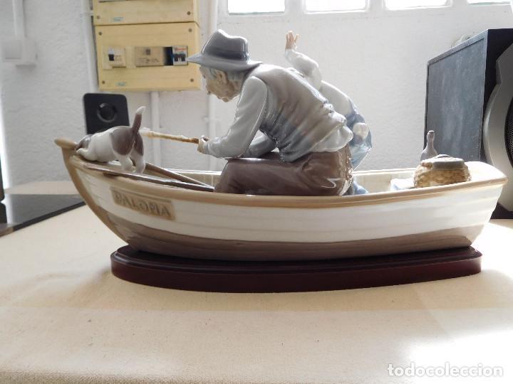 Antigüedades: Lladró barca Paloma con abuelo pescando, niño y perro - Foto 11 - 250313405