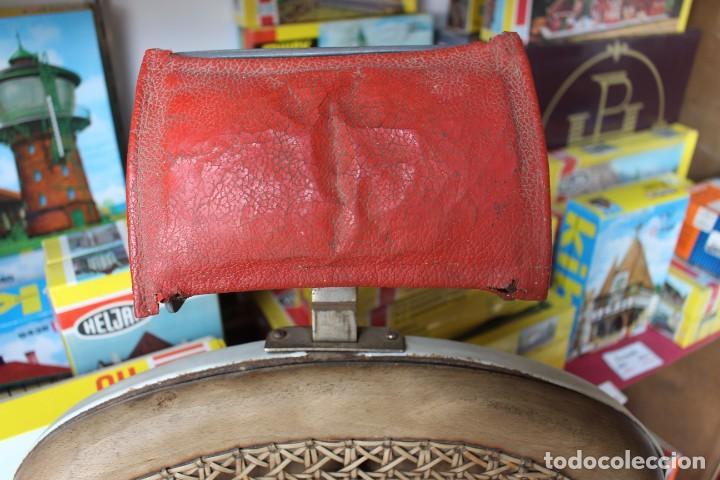Antigüedades: Original Silla de Barbero marca Jaso - Foto 2 - 250330735