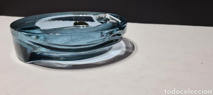 Antigüedades: Impresionante cenicero de cristal de color azul . Arnolfo Di Cambio. Maravilloso diseño. - Foto 5 - 250346720