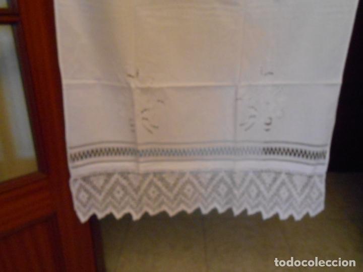 Antigüedades: Panel cortina, bordado a mano y ganchillo.ALGODON BLANCO 80 x 160 cm. Nuevo - Foto 17 - 250237330
