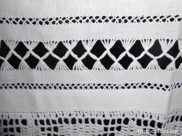 Antigüedades: Panel cortina, bordado a mano y ganchillo.ALGODON BLANCO 80 x 160 cm. Nuevo - Foto 28 - 250237330