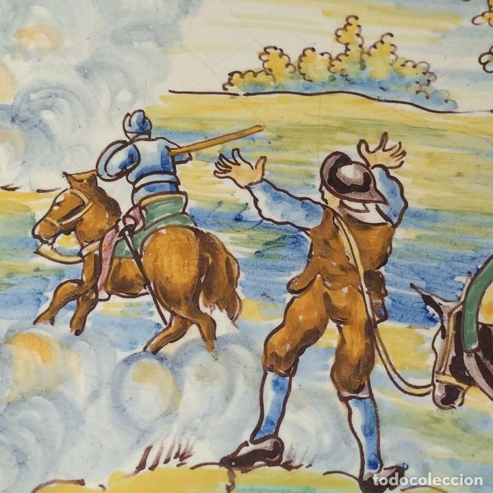 Antigüedades: 3 PLATOS DE TALAVERA. FIRMADOS NIVEIRO. CERÁMICA ESMALTADA. SIGLO XX - Foto 13 - 251137100