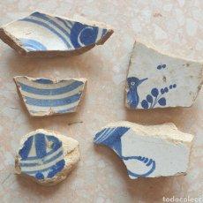 Antigüedades: LOTE DE 5 FRAGMENTOS CERAMICA AZUL COBALTO A DETERMINAR PLATO CUENCO. Lote 251142870