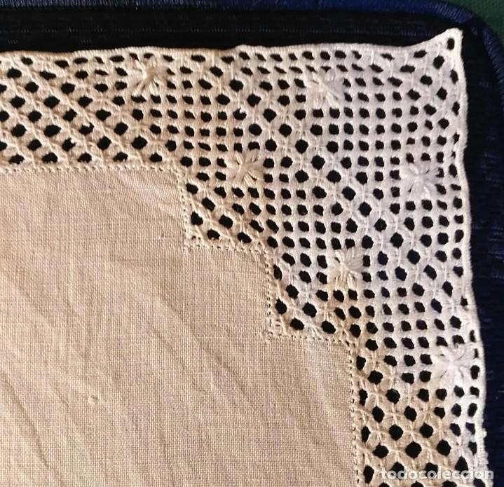 Antigüedades: Tp 53 Tapete hilo rodeado encaje ganchillo blanco - 40cm x 32cm - Foto 2 - 251253525
