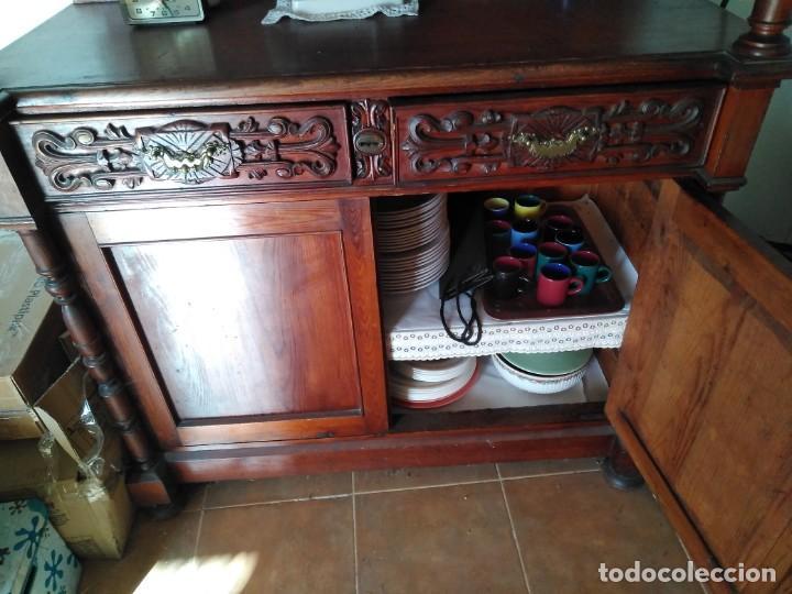 Antigüedades: Impresionante mueble en dos cuerpos con aparador y vitrina estilo Isabelino.Muy buen estado. - Foto 6 - 251391305