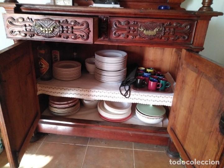 Antigüedades: Impresionante mueble en dos cuerpos con aparador y vitrina estilo Isabelino.Muy buen estado. - Foto 7 - 251391305