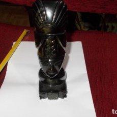 Oggetti Antichi: FIGURA AZTECA O INCA, TALLADA BELLAMENTE EN CRISTAL DE UNA SOLA PIEZA PERFECTA. Lote 251466920
