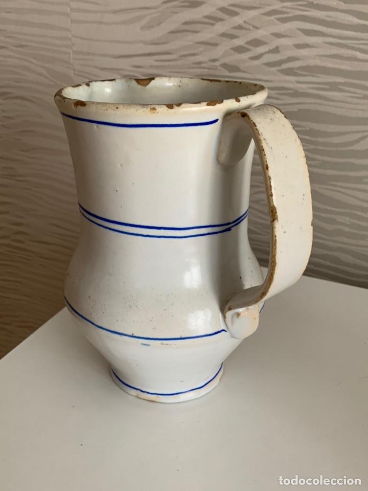 Antigüedades: Antigua JARRA de MANISES. Blanca y ribetes azules. Siglo XVIII-XIX. - Foto 3 - 251536530