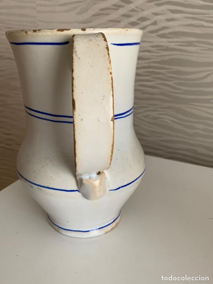 Antigüedades: Antigua JARRA de MANISES. Blanca y ribetes azules. Siglo XVIII-XIX. - Foto 4 - 251536530