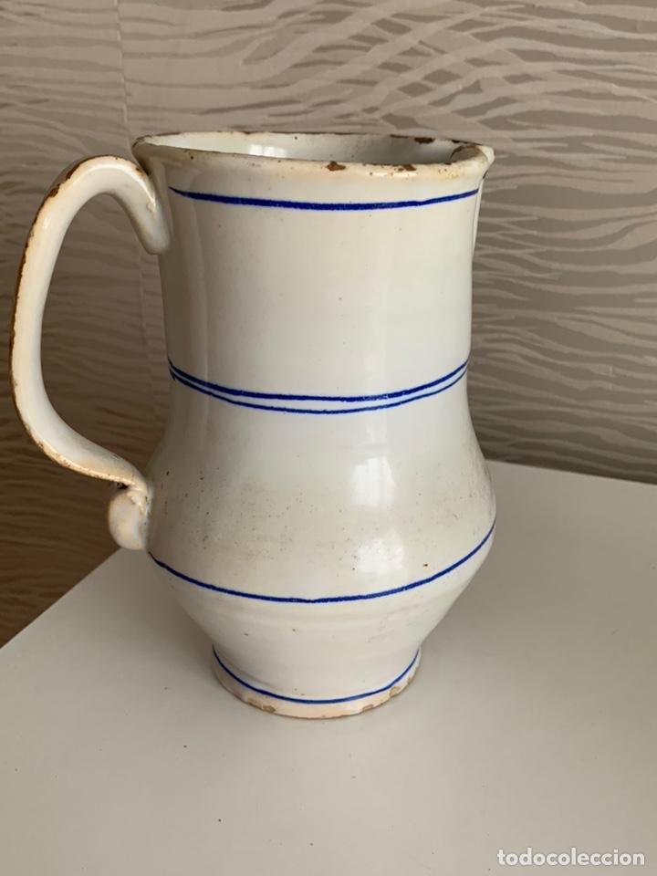 Antigüedades: Antigua JARRA de MANISES. Blanca y ribetes azules. Siglo XVIII-XIX. - Foto 5 - 251536530