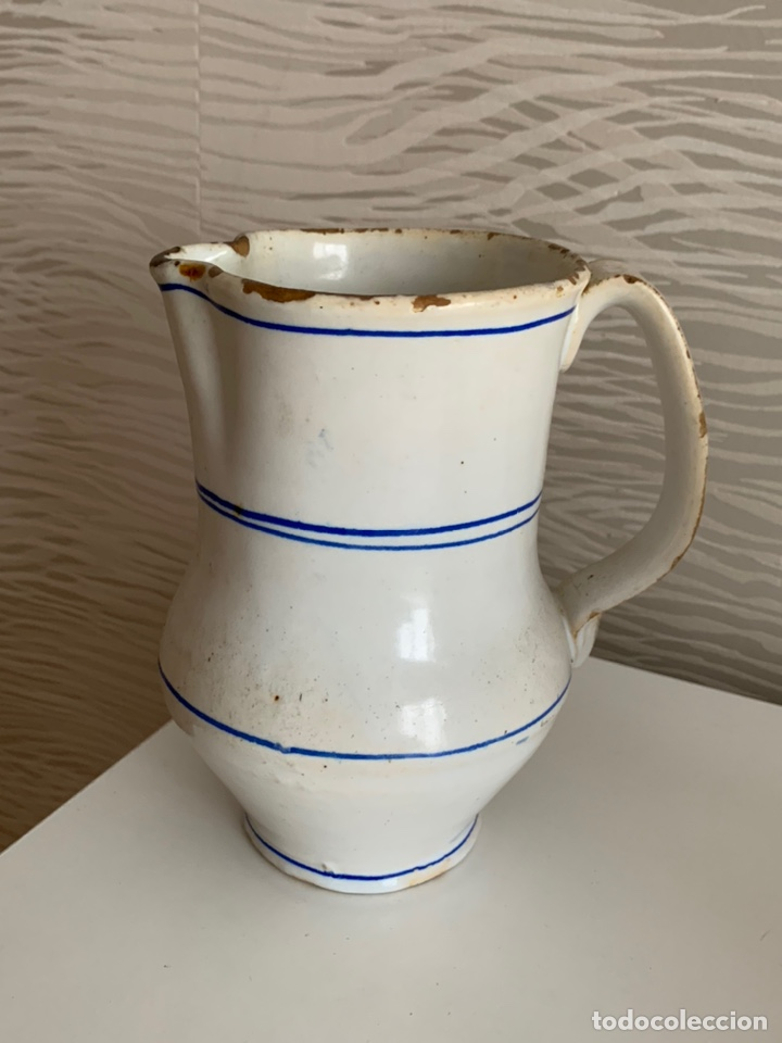 ANTIGUA JARRA DE MANISES. BLANCA Y RIBETES AZULES. SIGLO XVIII-XIX. (Antigüedades - Porcelanas y Cerámicas - Manises)