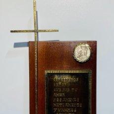 Antigüedades: GRAN PIEZA MADERA CON CRUZ. INSCRIPCIÓN PAPA JUAN XXIII. ADVOCACIÓN VIRGEN LOURDES. PPIOS. 60. Lote 251569105
