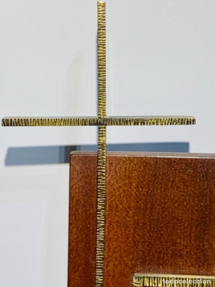 Antigüedades: Gran pieza madera con Cruz. Inscripción Papa Juan XXIII. Advocación Virgen Lourdes. Ppios. 60 - Foto 4 - 251569105