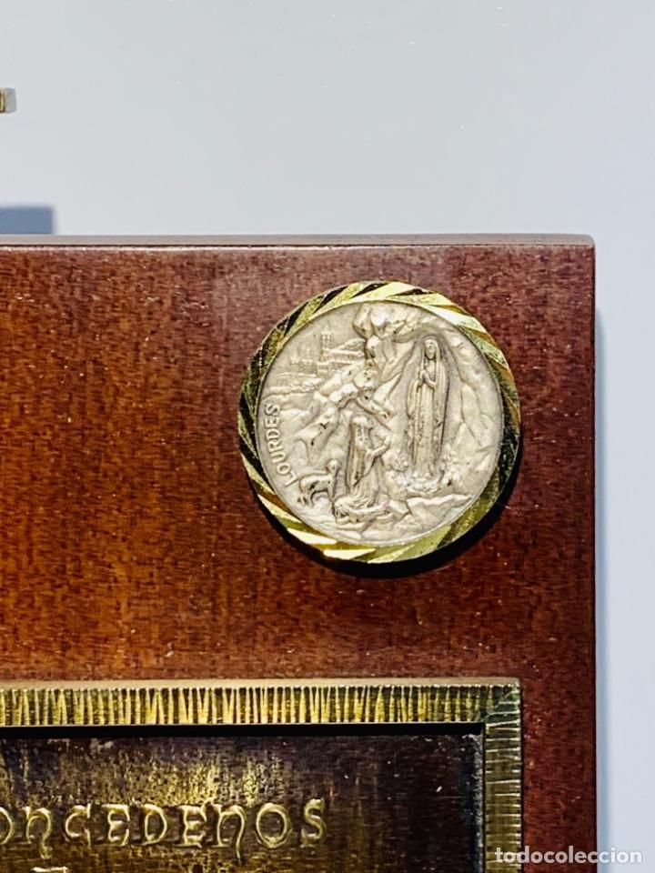 Antigüedades: Gran pieza madera con Cruz. Inscripción Papa Juan XXIII. Advocación Virgen Lourdes. Ppios. 60 - Foto 5 - 251569105