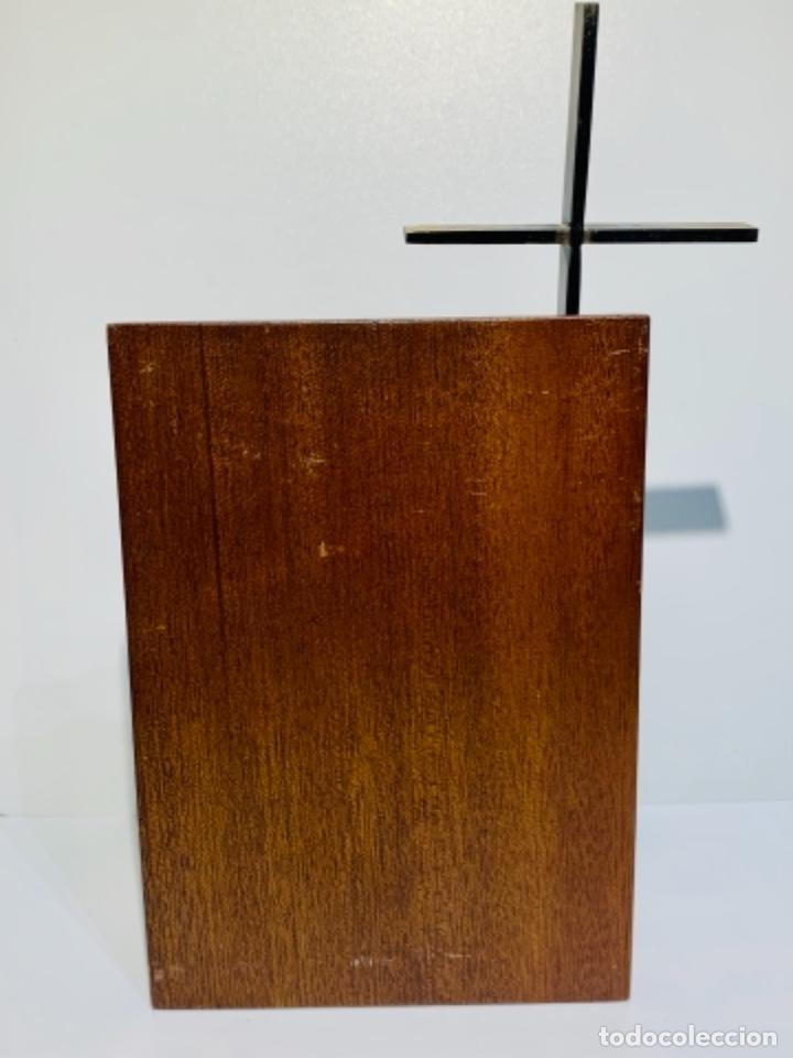 Antigüedades: Gran pieza madera con Cruz. Inscripción Papa Juan XXIII. Advocación Virgen Lourdes. Ppios. 60 - Foto 9 - 251569105