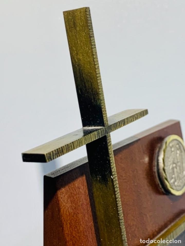 Antigüedades: Gran pieza madera con Cruz. Inscripción Papa Juan XXIII. Advocación Virgen Lourdes. Ppios. 60 - Foto 12 - 251569105