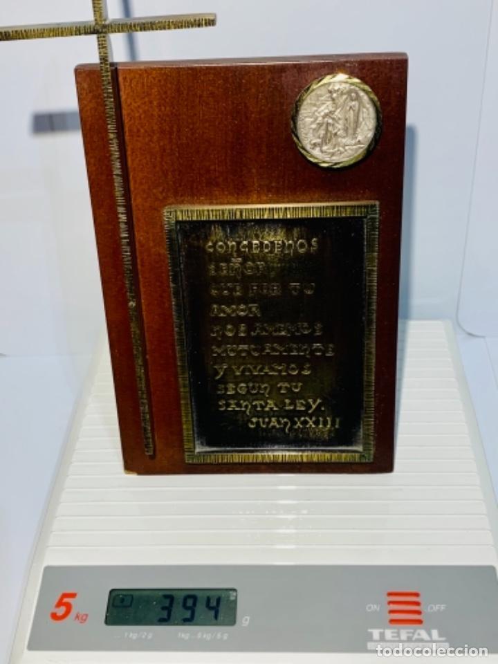 Antigüedades: Gran pieza madera con Cruz. Inscripción Papa Juan XXIII. Advocación Virgen Lourdes. Ppios. 60 - Foto 21 - 251569105