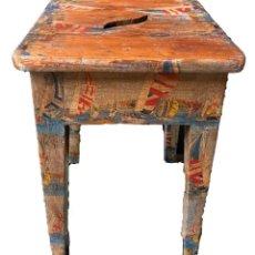 Antigüedades: TABURETE CON BARCOS. Lote 251737375