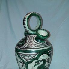 Antiquités: PRECIOSO ANTIGUO BOTIJO DE CERÁMICA DE DOMINGO PUNTER TERUEL BELLA DECORACIÓN 33CM. Lote 251745110