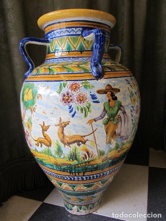 Antigüedades: Enorme jarron ornamental en cerámica de Triana - Ramos Rejano - Siglo XX - Foto 2 - 251959320