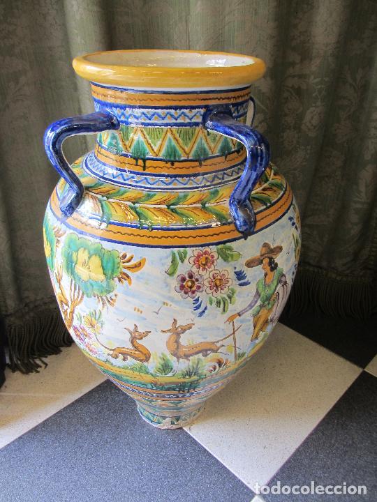 Antigüedades: Enorme jarron ornamental en cerámica de Triana - Ramos Rejano - Siglo XX - Foto 3 - 251959320