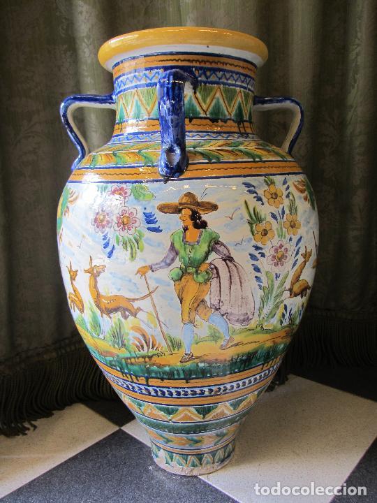 Antigüedades: Enorme jarron ornamental en cerámica de Triana - Ramos Rejano - Siglo XX - Foto 4 - 251959320