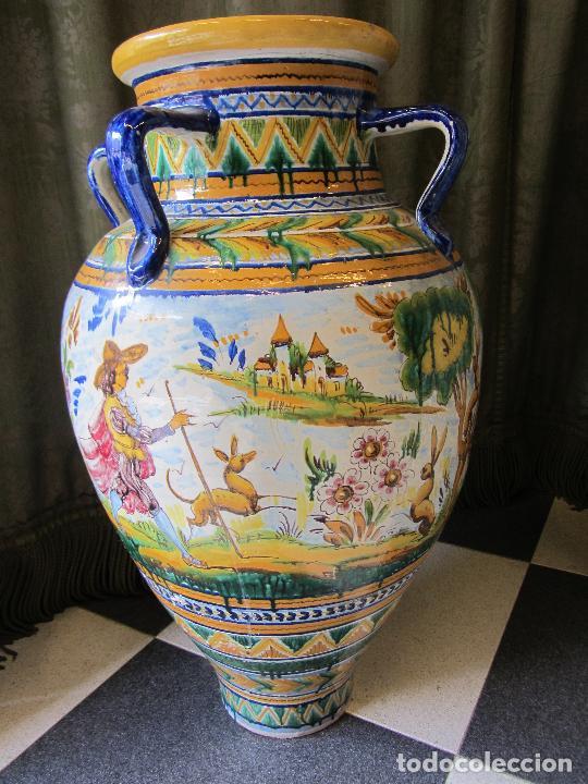 Antigüedades: Enorme jarron ornamental en cerámica de Triana - Ramos Rejano - Siglo XX - Foto 8 - 251959320