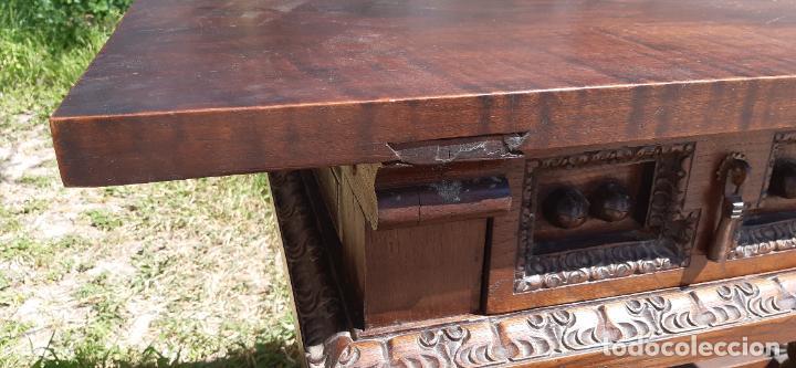 Antigüedades: MUEBLE APARADOR CON PATAS TORNEADAS. - Foto 5 - 251972725