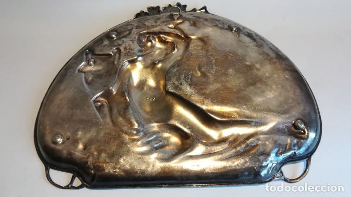 Antigüedades: BANDEJA MODERNISTA DE ESTAÑO CIRCA 1920 NUMERADA - Foto 6 - 251980150