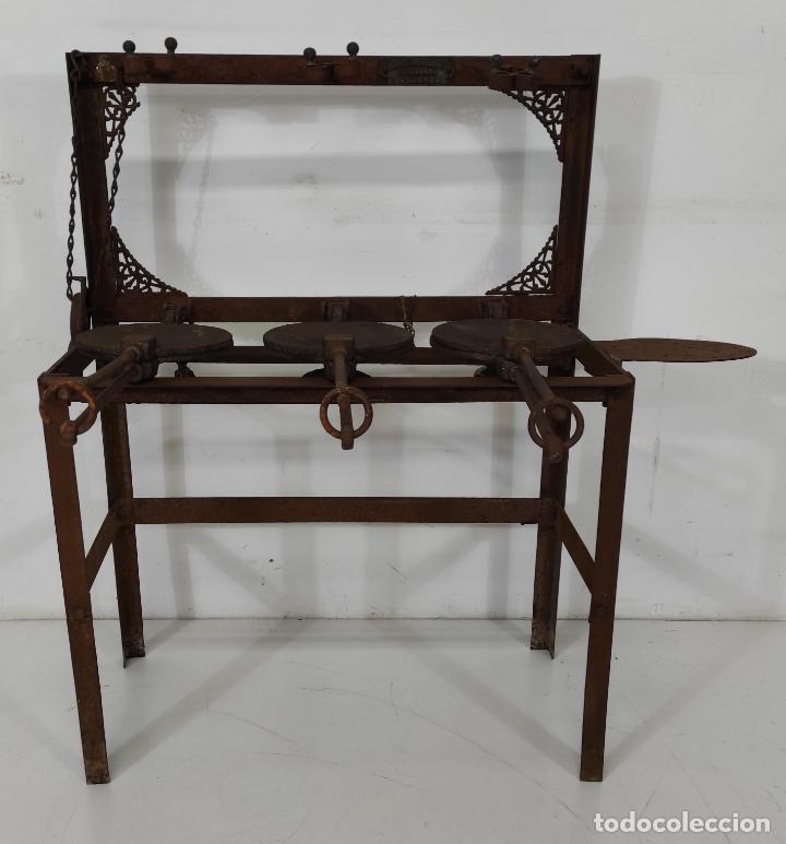 Antigüedades: Antigua Maquina de Pastelería - Andres Monserrat, Barcelona - para Gofres, Creps, etc - Foto 4 - 251991940