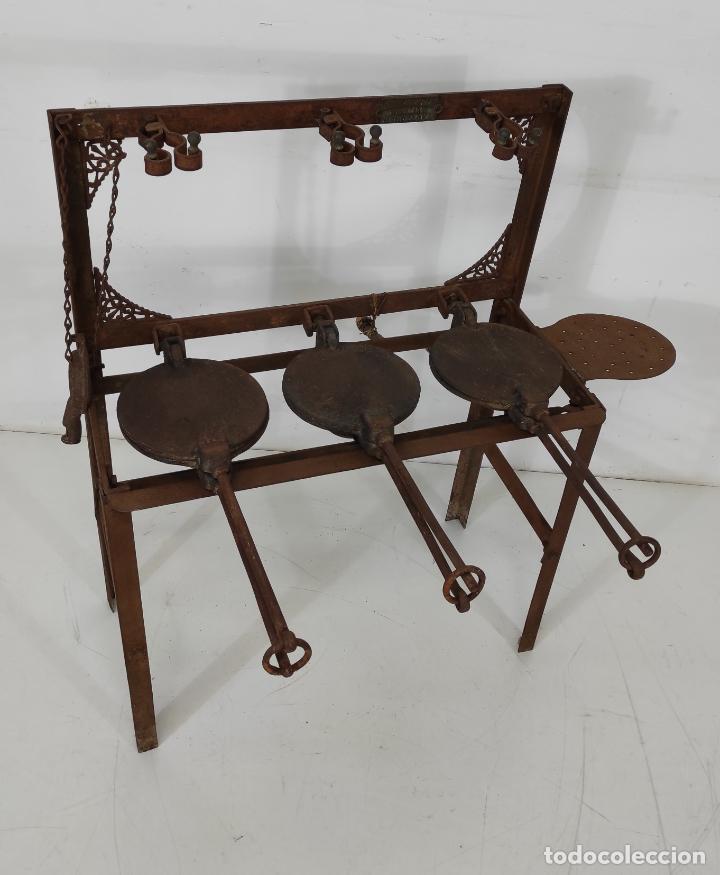 Antigüedades: Antigua Maquina de Pastelería - Andres Monserrat, Barcelona - para Gofres, Creps, etc - Foto 19 - 251991940