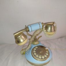 Antiquités: TELÉFONO FRANCÉS DE PORCELANA Y METAL VINTAGE. Lote 252079260