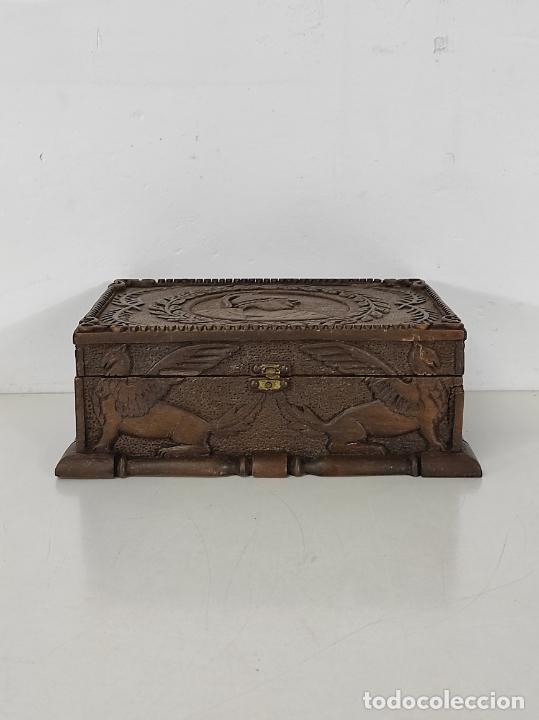 Antigüedades: Preciosa Caja Estilo Renacimiento - Finísima Talla en Madera de Haya, Color Nogal - Foto 4 - 252093600