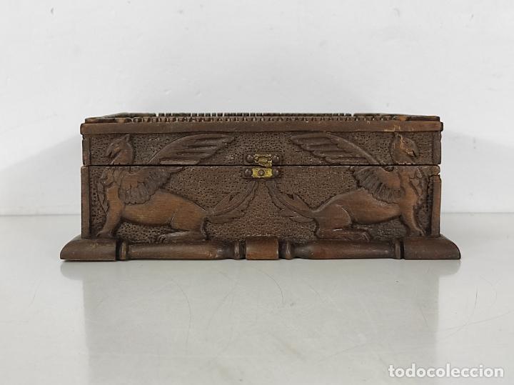 Antigüedades: Preciosa Caja Estilo Renacimiento - Finísima Talla en Madera de Haya, Color Nogal - Foto 5 - 252093600