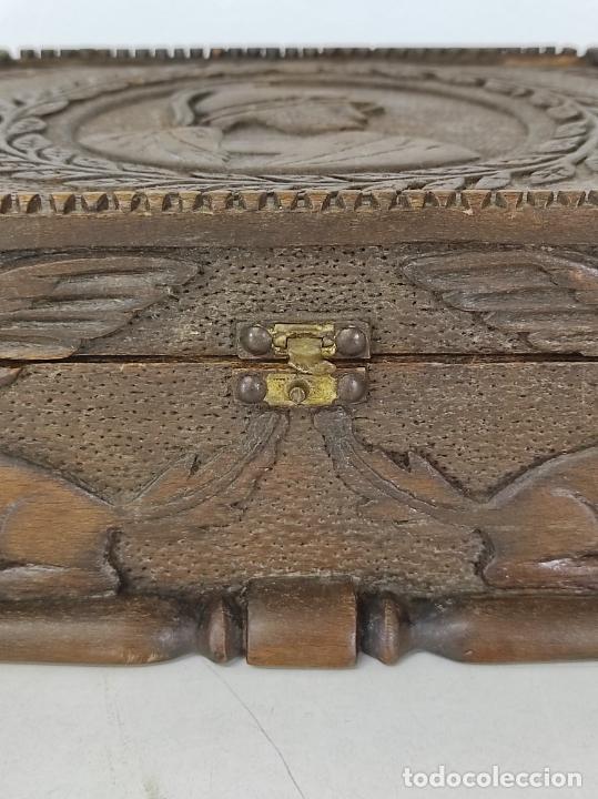 Antigüedades: Preciosa Caja Estilo Renacimiento - Finísima Talla en Madera de Haya, Color Nogal - Foto 7 - 252093600