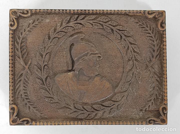 Antigüedades: Preciosa Caja Estilo Renacimiento - Finísima Talla en Madera de Haya, Color Nogal - Foto 10 - 252093600