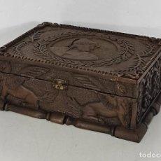 Antigüedades: PRECIOSA CAJA ESTILO RENACIMIENTO - FINÍSIMA TALLA EN MADERA DE HAYA, COLOR NOGAL. Lote 252093600