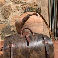 Antigüedades: ANTIGUO Y GRAN MALETIN TRABAJO EN CUERO. MEDICO. MALETA. Lote 252132480