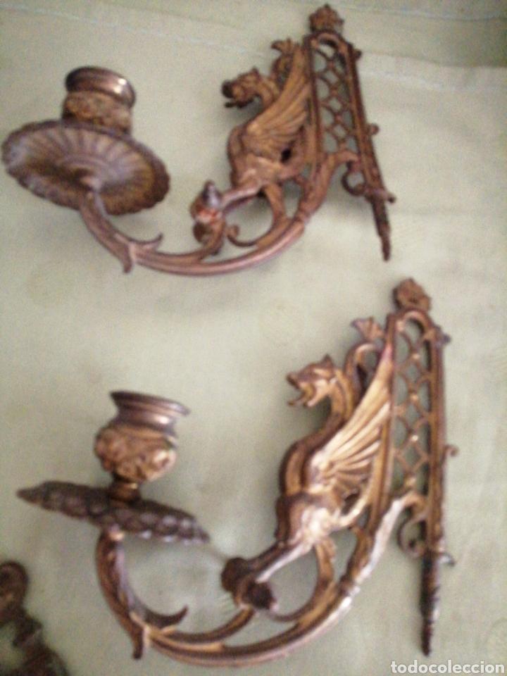 Antigüedades: Lote de 7 apliques de bronce portavelas - Foto 2 - 252151335