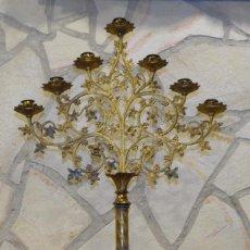 Antigüedades: CANDELABRO NEOGÓTICO S XIX BRONCE DE 7 VELAS. Lote 252049555