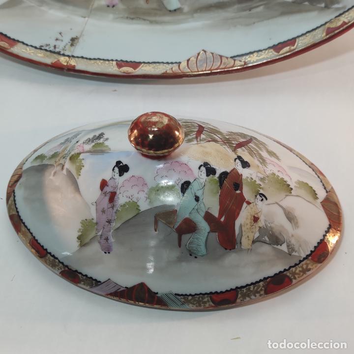Antigüedades: Espectacular conjunto de piezas de porcelana japonesa Kutani. Enorme fuente firmada de 51 cm. - Foto 15 - 252213700