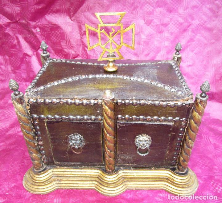 Antigüedades: BAUL ARCA COFRE SAGRADO OSTIARIO RELIQUIARIO JOYERO RELIGIOSO IMPERIO - Foto 2 - 252231290